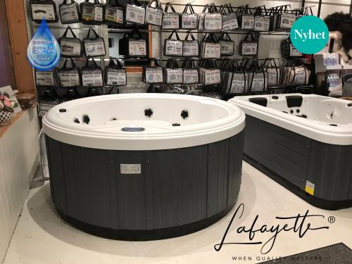 Lafayette SPA 6 seat round SPAbad Jacuzzi